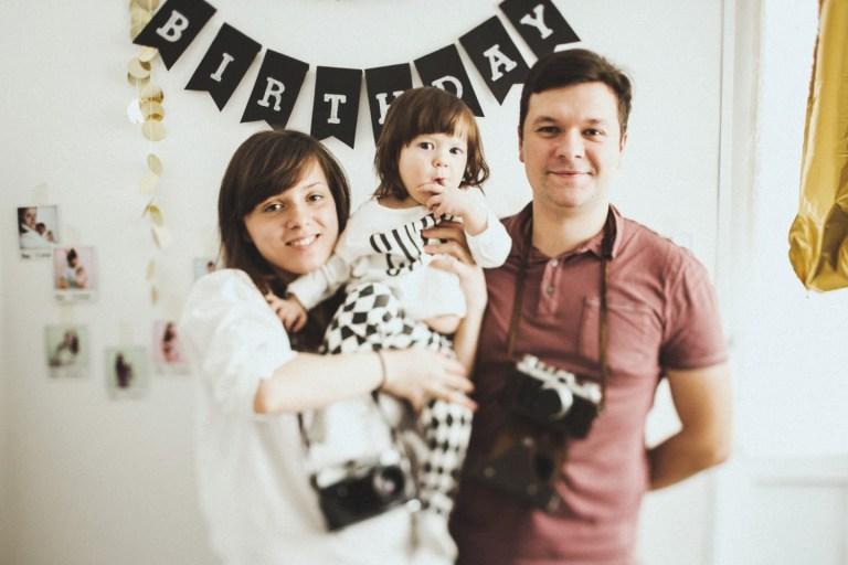 Семейный уют: первый день рождения Вари