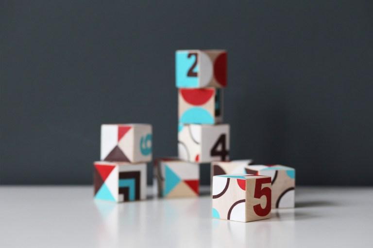 Сделай сам: развивающие кубики