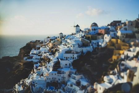 Сине-белая мечта: путешествие на остров Санторини
