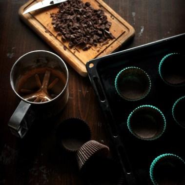 Рецепт шоколадных капкейков с сырным кремом