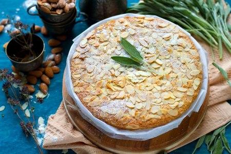 Волшебный миндальный пирог.  Без яиц и сливочного масла!