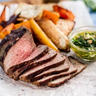 Готовим вместе: Теплый салат с ростбифом, печеным картофелем и медовой свеклой