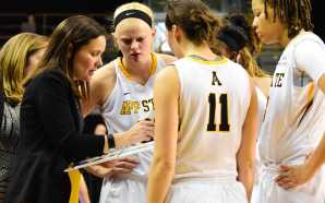Women's basketball experiences growing pains