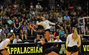 Volleyball swept twice on the weekend