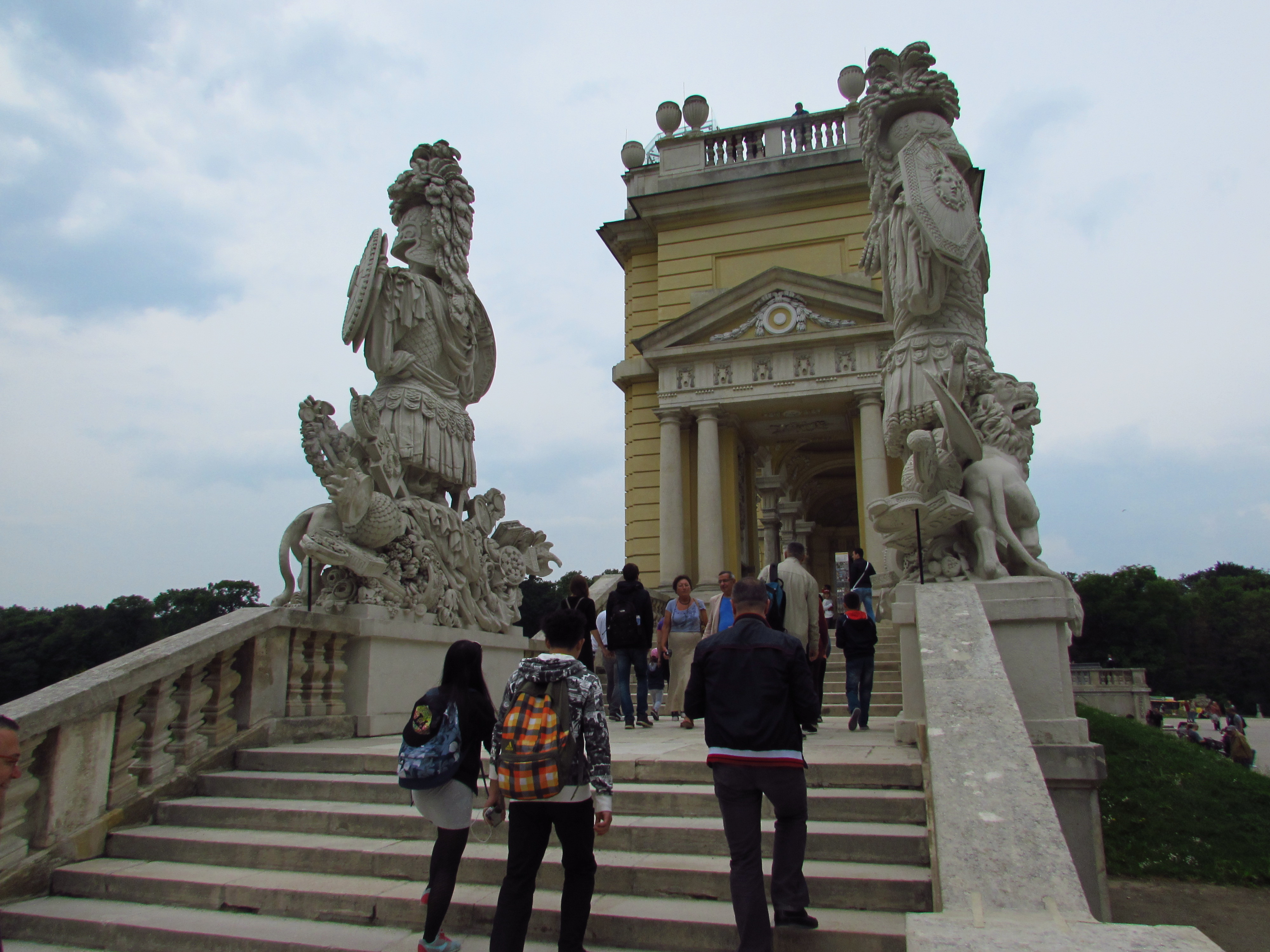 The gloriette in vienna 39 s sch nbrunn palace - Gloriette fer smeden ...