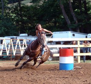 Meet barrel racers Loren Altman and Mia Shaffer