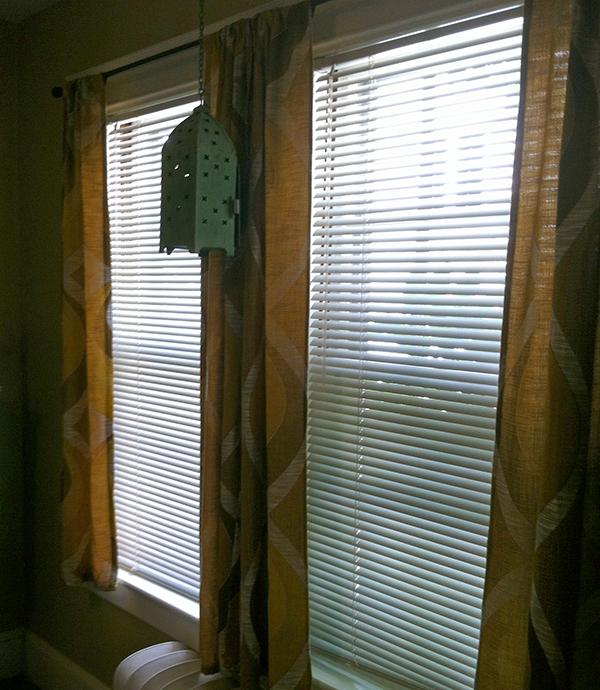 window-privacy-film-diy-dark