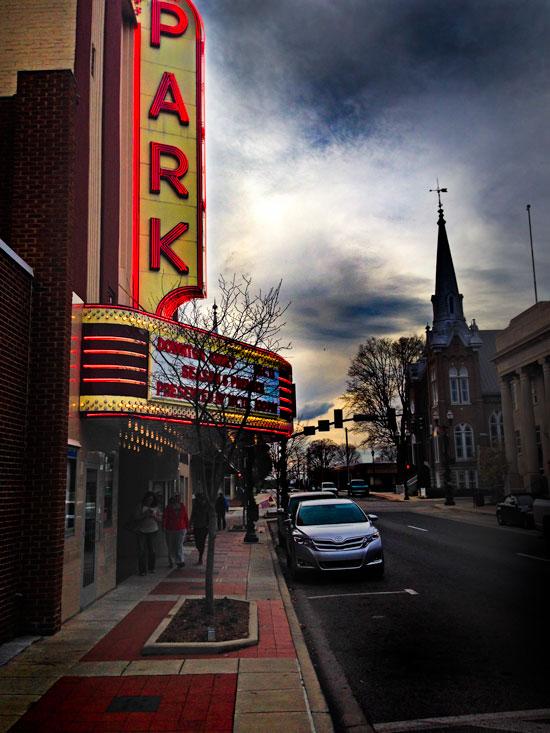 Park-Theater-Night-mcminnville-tn