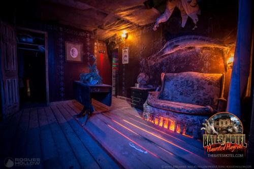 Medium Of Bates Motel Haunted House