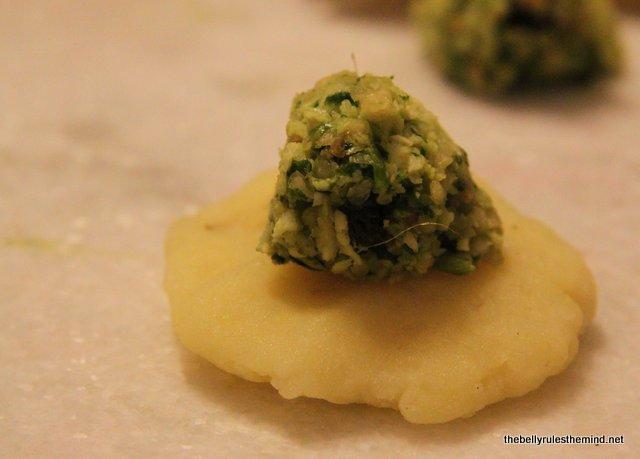 Flatten mashed potato with stuffing