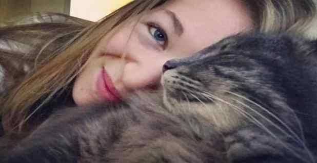 Marine Coucoulis and her cat Booba