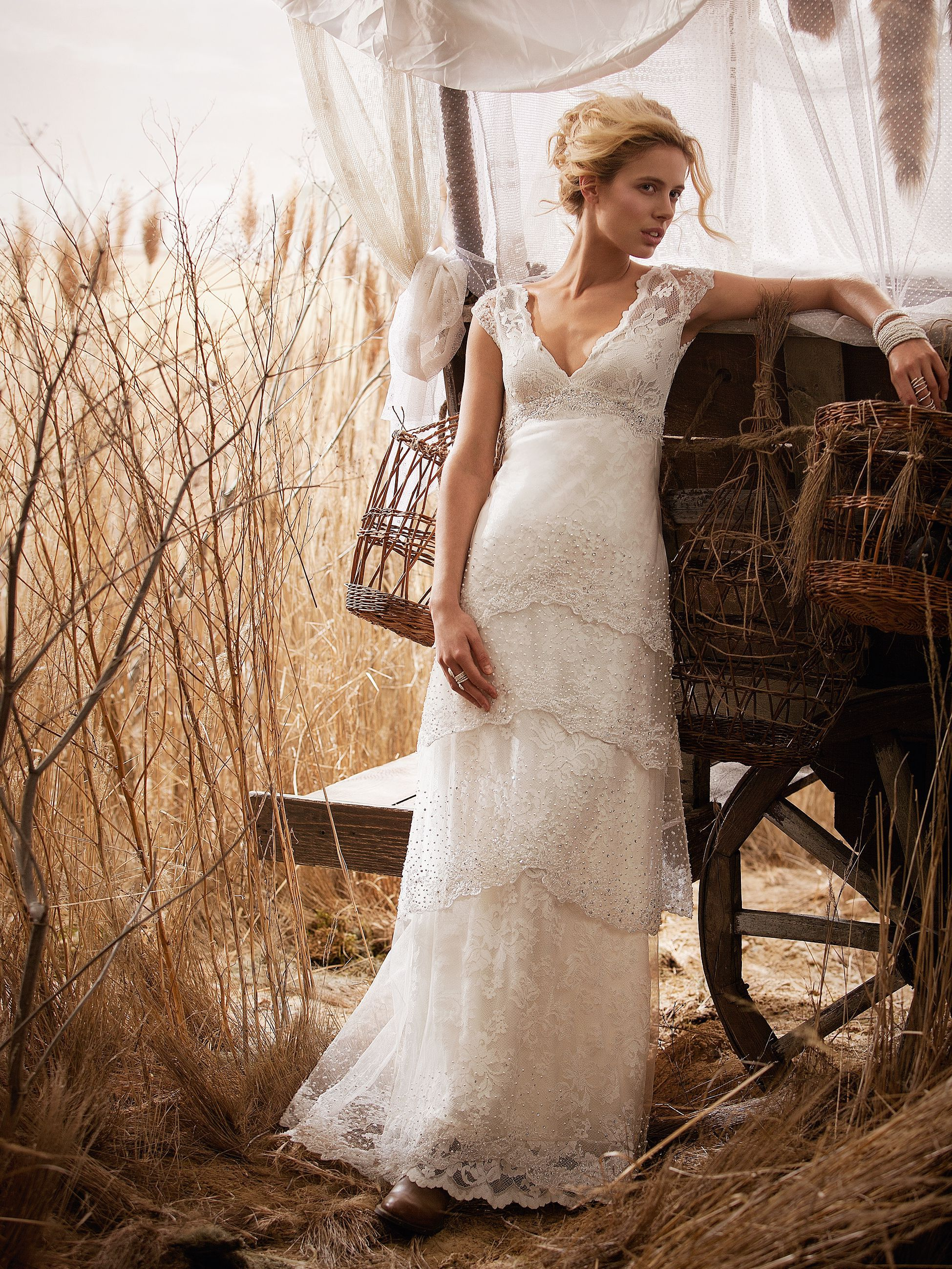 the tips on choosing country wedding dresses country chic wedding dresses A lace rustic wedding gown