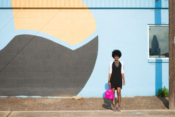shift dress, fashion blogger, black and white, classic, pink, pop of color, kate spade bag, pink purse