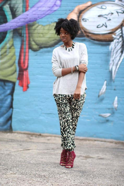 black and white, printed pants, jogger pants, blogger style, natural hair, natural hair blogger, pop of color, oxblood heels, oxblood, maroon heels, marsala, sweater, fall style, blogger fall style, brown girl blogger, fall heels, lace up heels, black & white