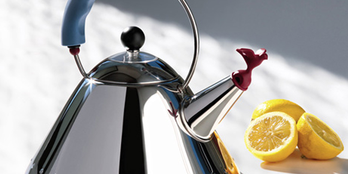 9093 Kettle by Alessi