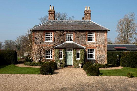 Bucklebury manor Middletons house bucklebury