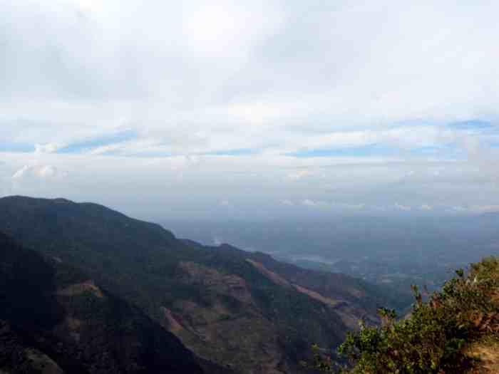 Hiking to World's End, Sri Lanka