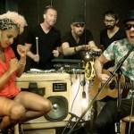 wallpaper MTV Live Bruno Mars suitcase boombox speaker drunken hearts good 4 it acoustic set LIVE