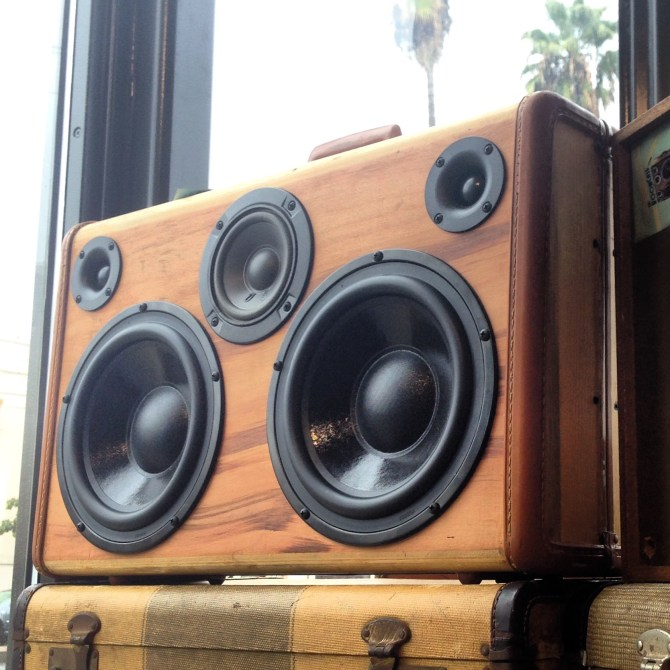 BoomCase Wood BoomBox Speaker Vintage Portable Retro Ghetto Blaster Bluetooth Wooden BoomBox