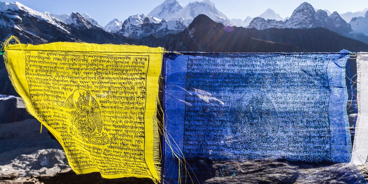 Photo Of The Day – Prayer Flags Before Sagarmatha