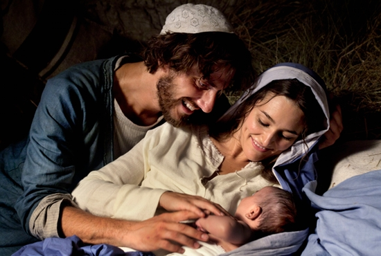 """Luca Marinelli portrays Joseph and Alissa Jung is Mary in a scene from the movie """"Mary of Nazareth."""" CNS photo/courtesy of Ignatius Press"""