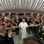 Be witnesses of love, pope tells charismatic movement