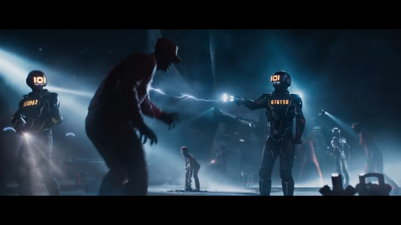 READY PLAYER ONE - Official Trailer 1 [HD].00_01_36_04.Still013