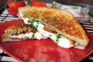 Pesto Pizza Grilled Cheese