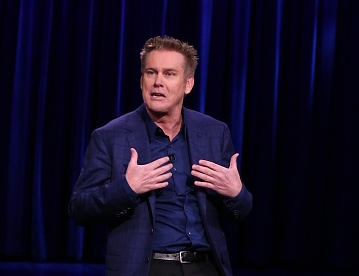 THE TONIGHT SHOW STARRING JIMMY FALLON -- Episode 0491 -- Pictured: Comedian Brian Regan performs on June 17, 2016 -- (Photo by: Andrew Lipovsky/NBC/NBCU Photo Bank)