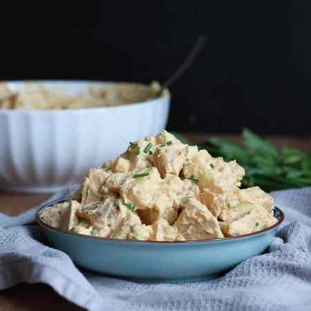 HEALTHY Vegan Potato Salad! If you're like me and grew up eating potato salad all summer long, you'll love this healthy, dairy-free version!-9