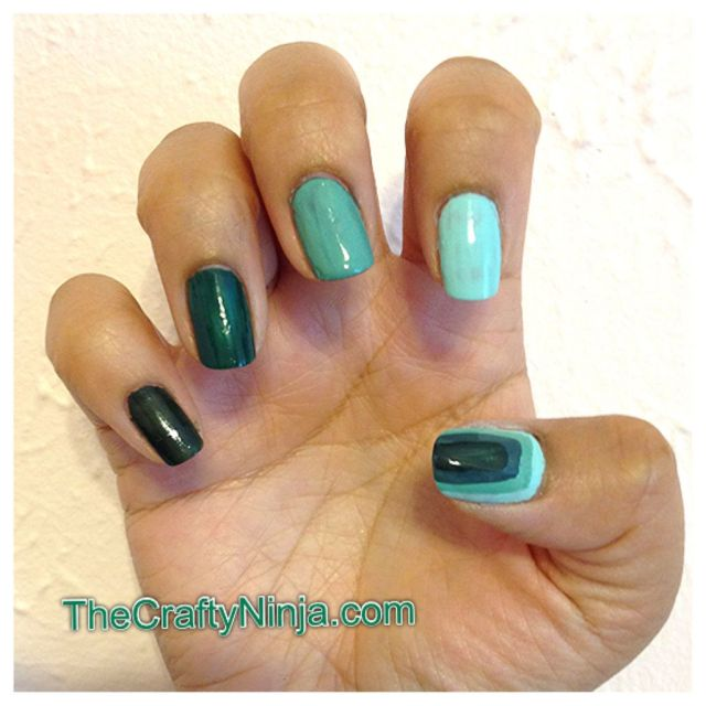 monochromatic green nails