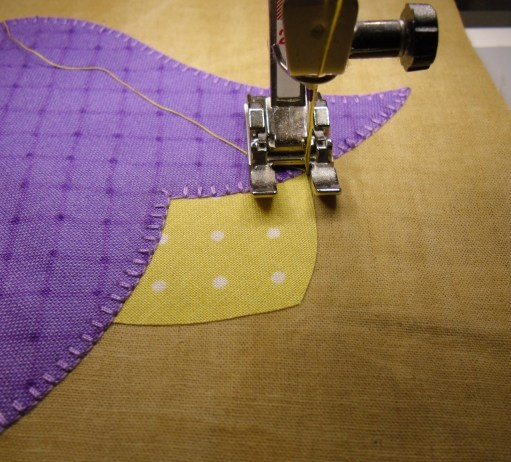 Blanket stitching on my Bernina @ The Crafty Quilter