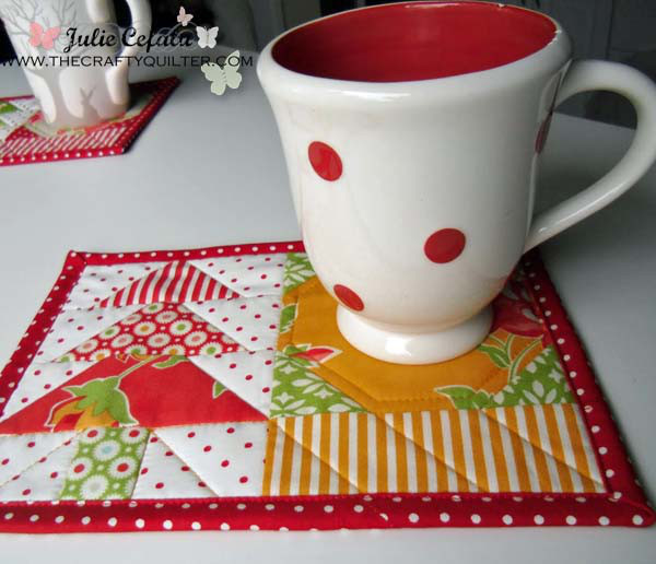 Holiday Mug Rug Tutorial @ The Crafty Quilter