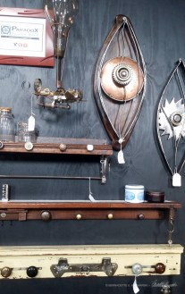 Artisan-metalwallpieces