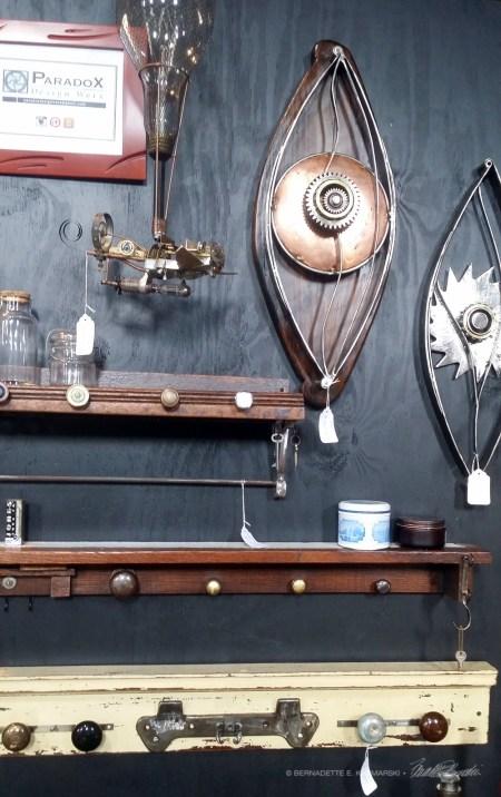Artisan-metalwallpieces