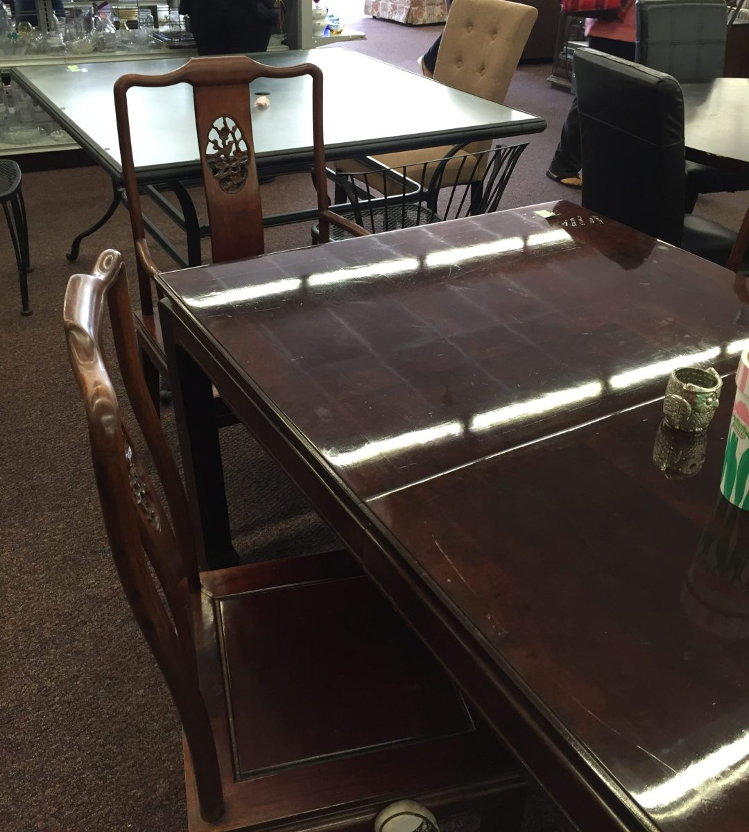 Asian style table with 4 redwood chairs - AWESOME!! $125