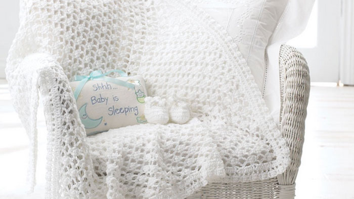Vintage Baby Crochet Blanket + Tutorial - The Crochet Crowd