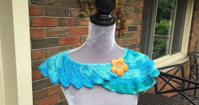 Crochet Dragon Tail Neckerchief - Swirl
