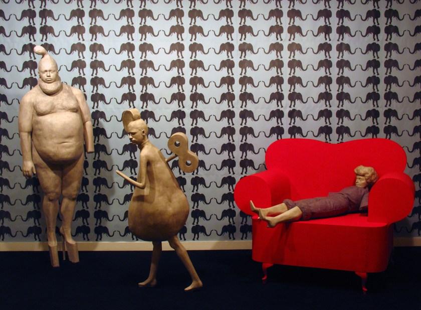 8 interior con marionetas