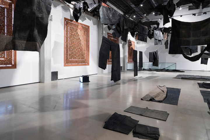 oscar-murillo_oscar-murillo-dis-place-at-yarat-contemporary-art-centre-baku