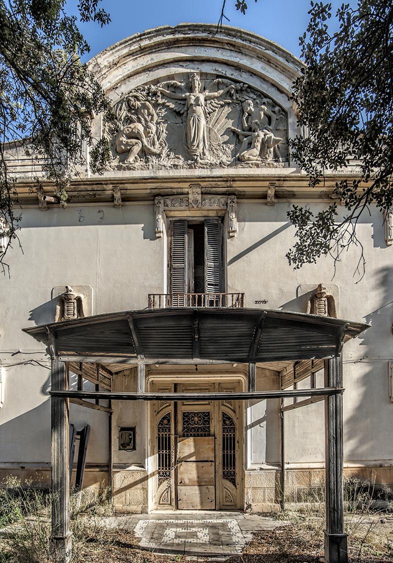 Teatro Cervantes. Colonia de Santa Eulalia.