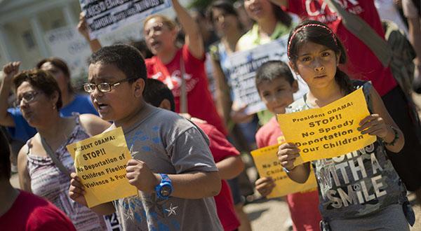 Obama officials pledge to stem immigration tide