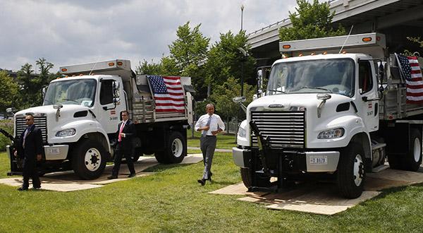 Obama pushes transportation money at closed Del. bridge