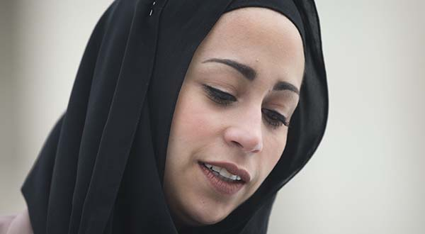 Justices rule for Muslim denied Abercrombie & Fitch job over headscarf