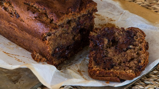 Recipe: Banana, chocolate and almond cake