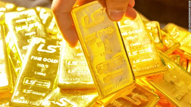 25% of physical gold buyers are crazy, metals executive says