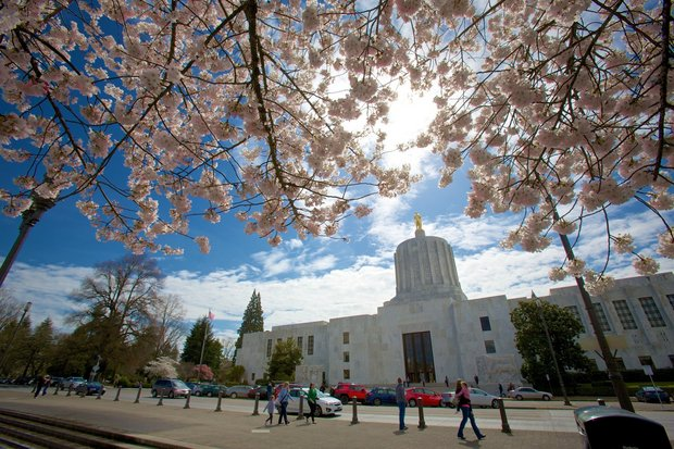 Workers Memorial Day ceremony honors Oregon workers who died on the job
