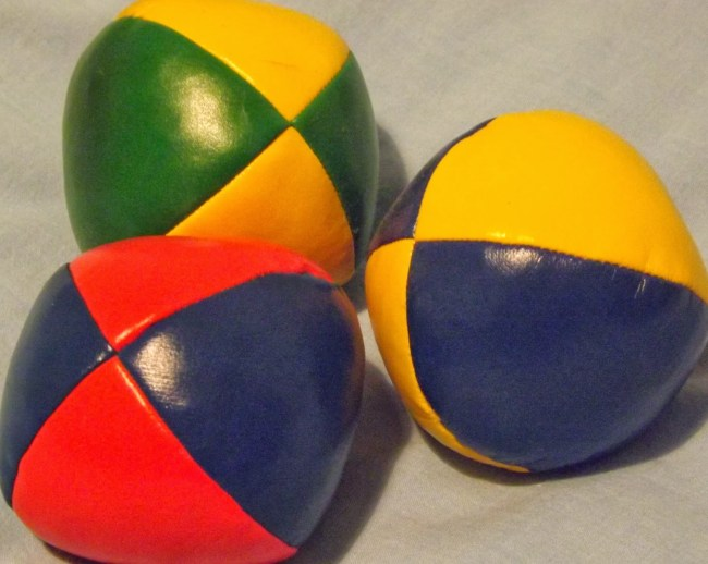 Fifteen Juggling Facts for World Juggling Day