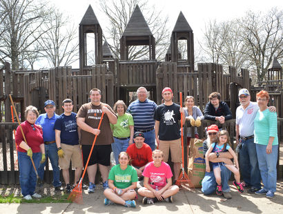 Salem UCT, ROC members spruce-up Centennial Park
