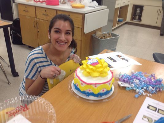 Scott High School thanks Remke for cake decorating help